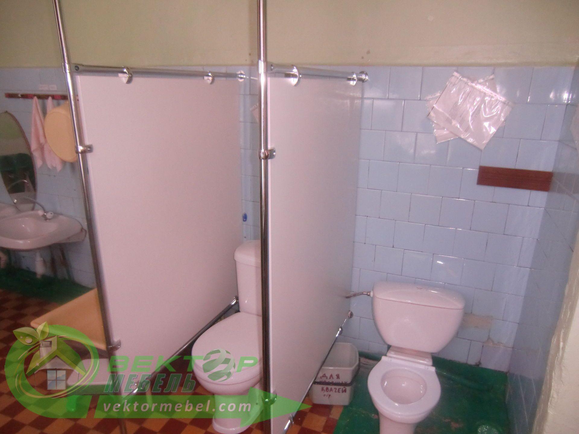 Туалетную кабинку своими руками 40